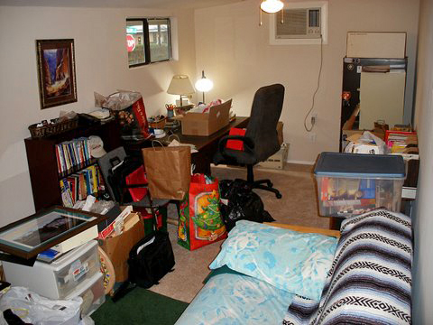 office-guest-room-before-2